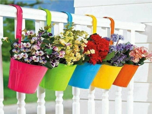 Piante da balcone idee per ricreare un angolo di verde in for Idee per terrazzi fioriti