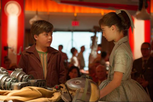 frank-and-athena-in-tomorrowland