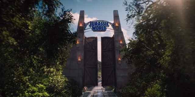 JURASSIC-WORLD-entrata