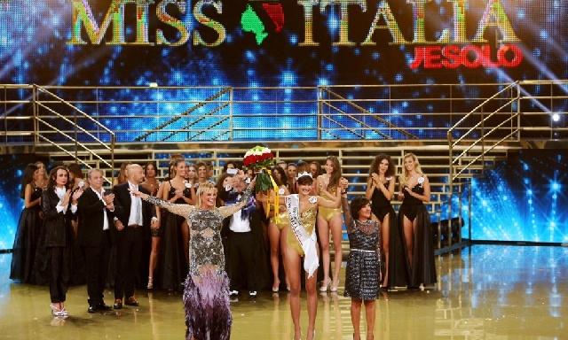 Miss-Italia-2015-Alice-Sabatini-proclamazione