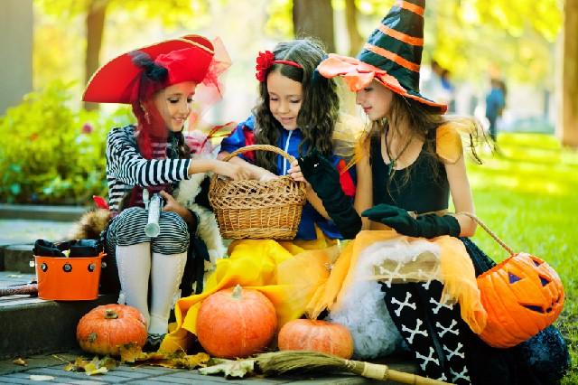 halloween-con-i-bambini-dolcetto-o-scherzetto