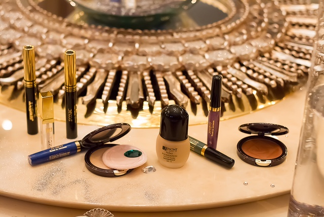 3 Global Fashion Beauty Royal mineral collection