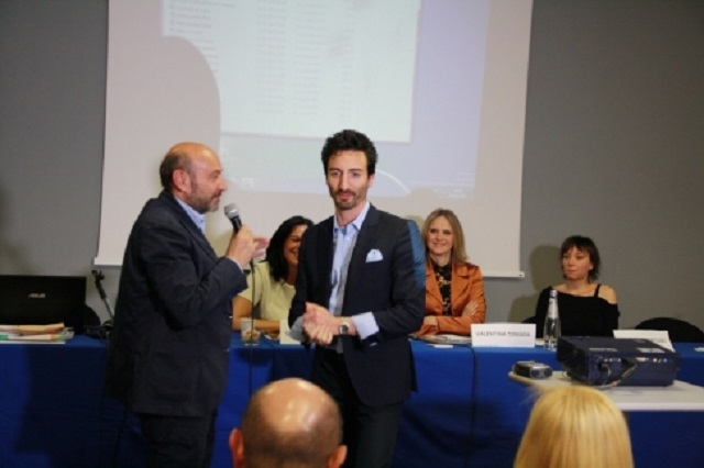 Alfonso Bottone premia il ballerino Samuel Peron