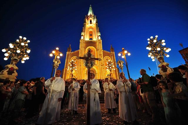 Gozo - Ghajnsielem Procession by Ted Attard
