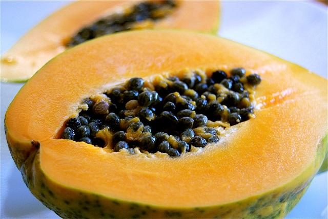 I-benefici-della-frutta-fresca-papaya