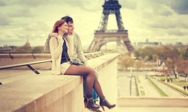 La-Tour-Eiffel-parigi-travel-therapy2