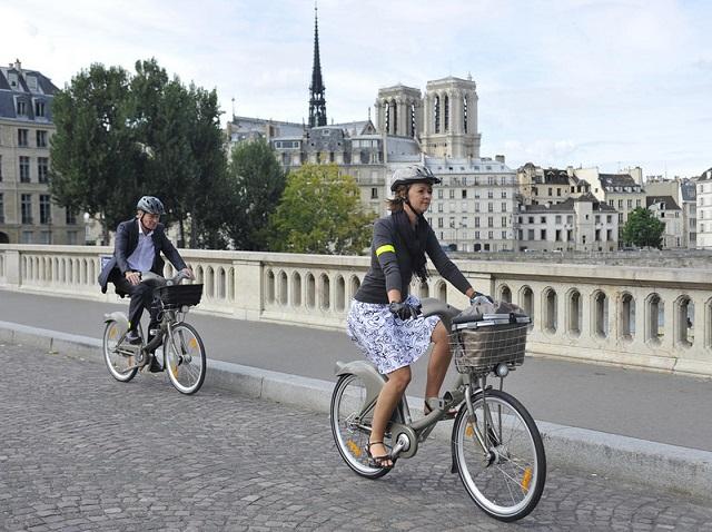 Parigi-in-bicicletta-travel-therapy