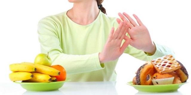 come-dimagrire-dopo-le-feste-bere-eliminare-alcuni-alimenti