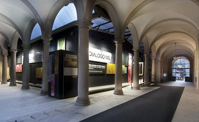 dialogo nel buio milano