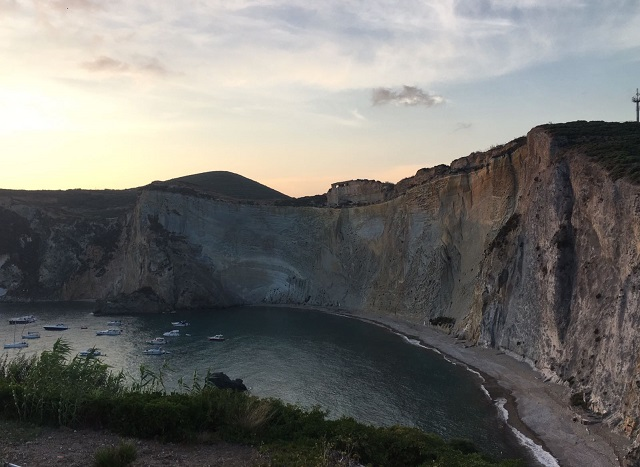 scoprire l'arcipelago di Ponza con lo yacht