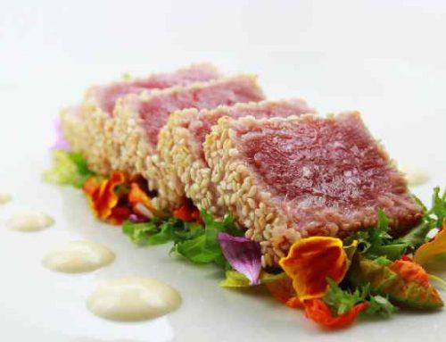 Ricetta estiva light: tagliata di tonno in crosta di sesamo