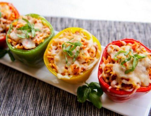 Primi piatti estivi: peperoni ripieni di spaghetti con caciocavallo