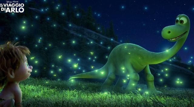 il-viaggio-di-Arlo-Disney-Pixar-Spot-e-lucciole