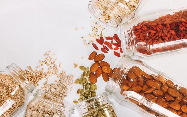 Basta sprecare cibo: suggerimenti su come conservarlo correttamente
