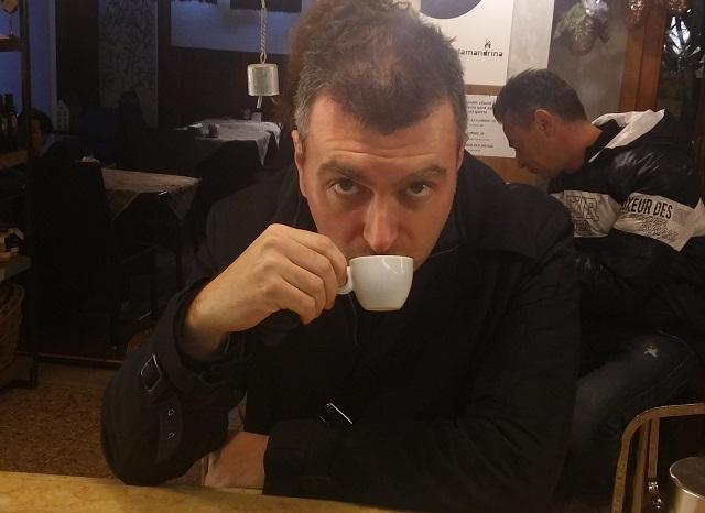 caffe-con alessio montagna my-escort