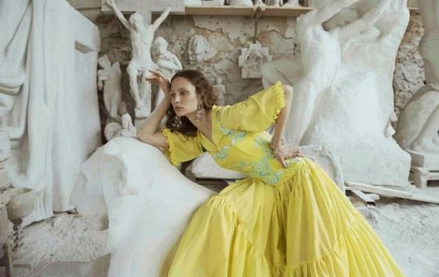 Tendenze moda Primavera Estate 2020 pelle e stampe floreali i MUST HAVE