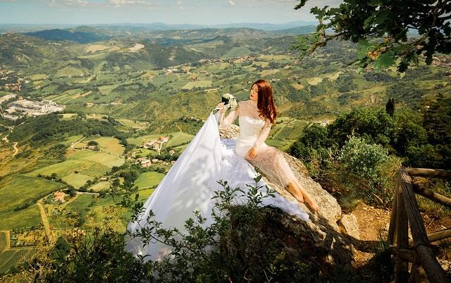 Abiti da sposa 2021: la collezione unconventional firmata Fabiana Gabellini