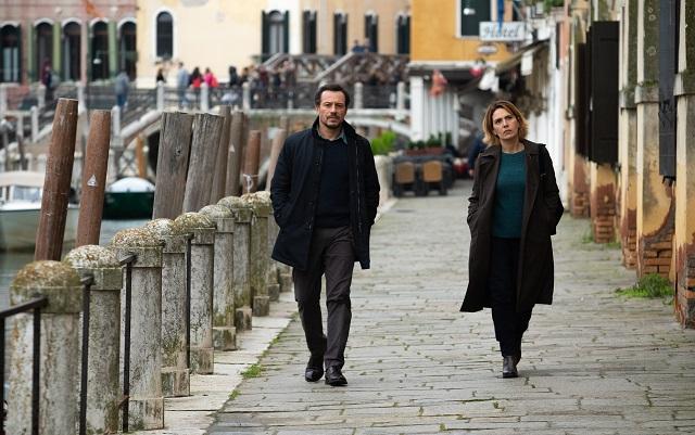 Lasciami Andare: arriva in digitale il film di chiusura di Venezia 77