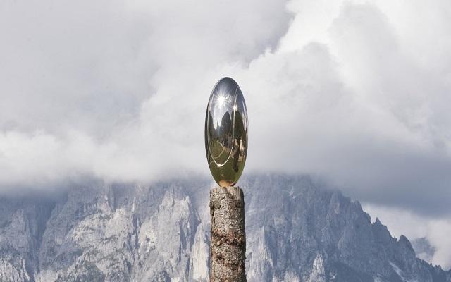 Una boccata d'arte inaugurata l'installazione Arkanians di Luca Pozzi