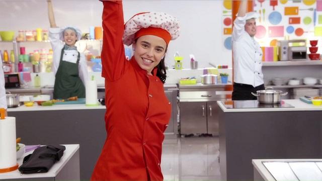 MONICA chef serie disney channel 2