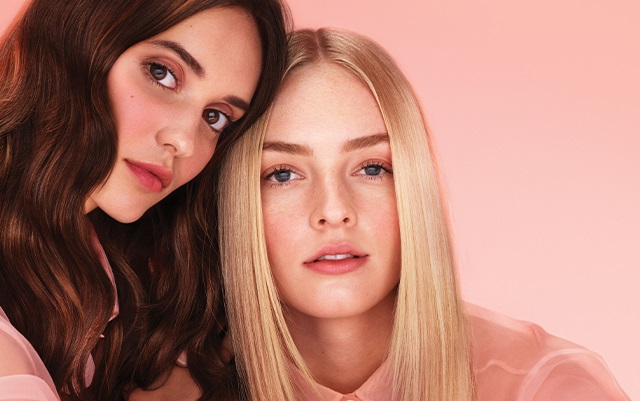 Come idratare i capelli: nuova linea Nutriplenish anche vegan friendly