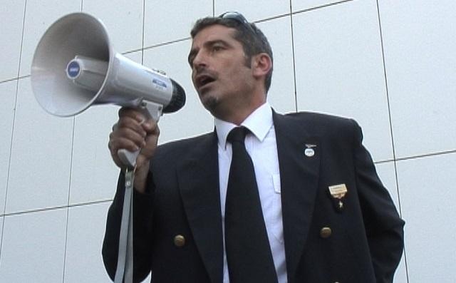 Tutti Giù Per Aria - L'aereo Di Carta: il docu-film sulla vertenza Alitalia
