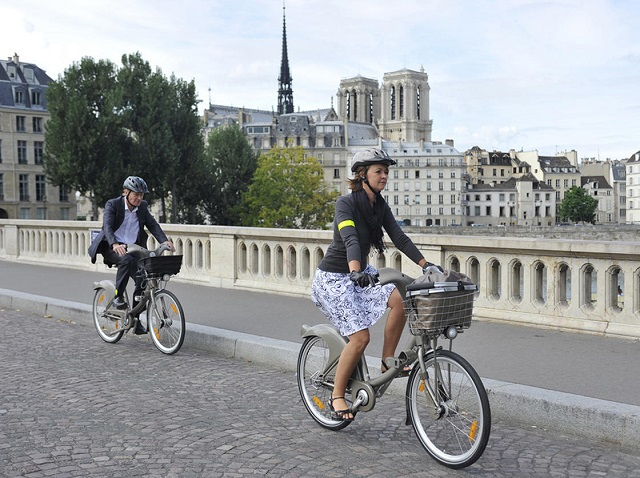 Parigi-in-bicicletta-travel-therapy