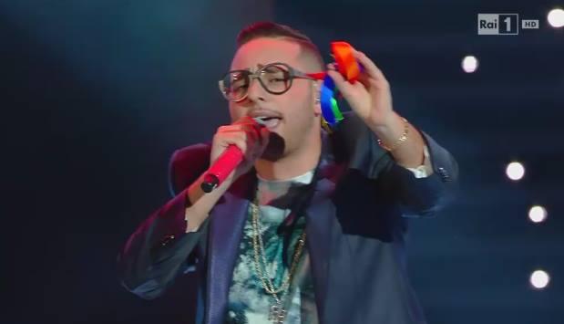 Sanremo 2016: Rocco Hunt vincitore terzo blocco cover