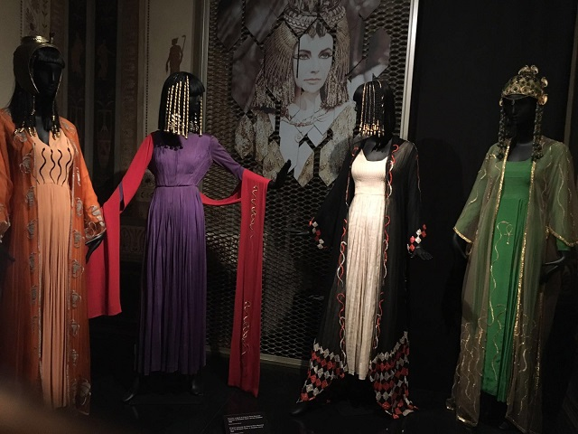 Serpentiform - costumi di scena del-film del 1963 Cleopatra