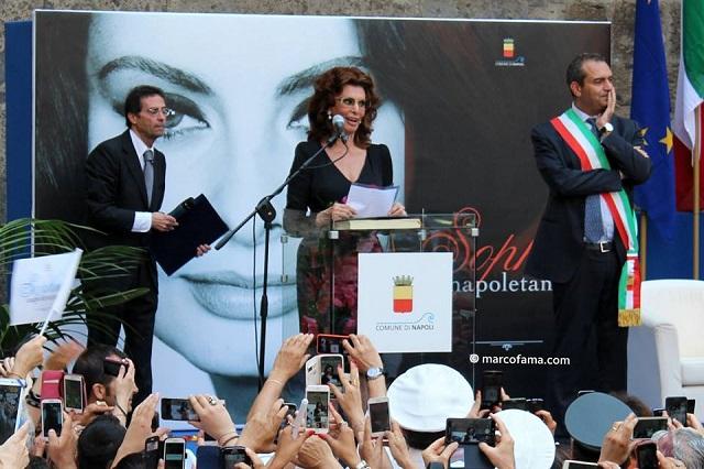 Sophia-Loren-Napoli-cittadina-onoraria-2