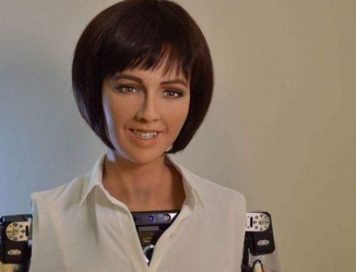 Sophia: il robot umanoide con il volto di Audrey Hepburn