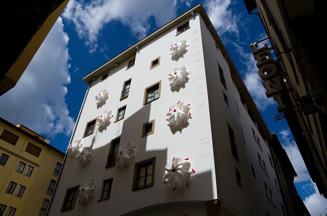 WOW-mostra-simone-d-auria-art-gallery-hotel-firenze