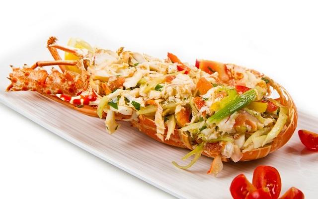 Astice alla catalana tutto il sapore del mare in una ricetta facile e veloce