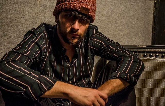 Bale cantautore romano New York recensione