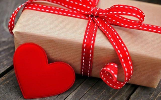 Idee e consigli su come fare un regalo a distanza ad un uomo