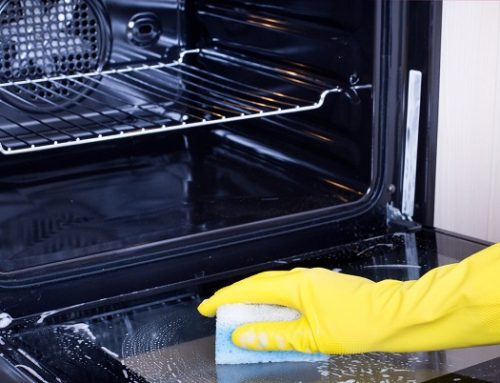Come pulire il forno: trucchi e consigli utili per tenerlo in ottimo stato