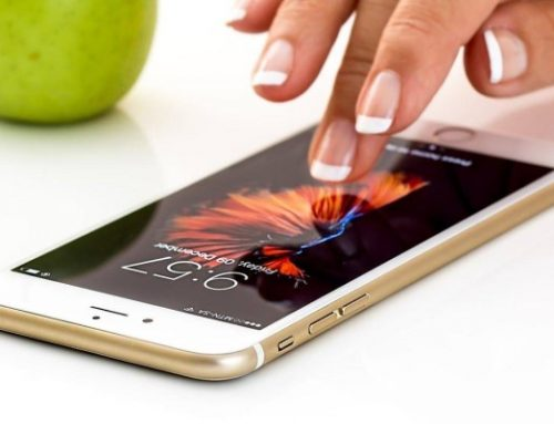 Come pulire smartphone e tablet per eliminare i batteri