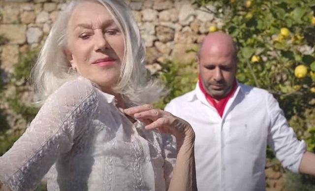 La Vacinada Helen Mirren onorata della collaborazione con Zalone