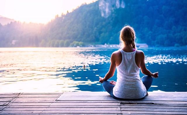 Meditazione trascendentale: cos'è, benefici e come praticarla