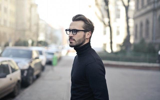 Come scegliere gli occhiali da vista da uomo in base alla forma del viso