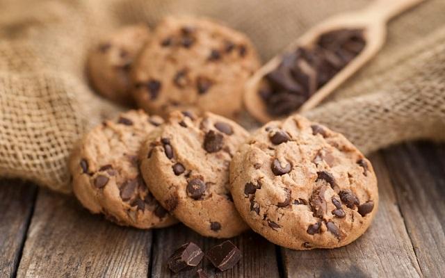 Ricetta Cookies Facile E Veloce.Biscotti Al Bicchiere Con Gocce Di Cioccolata Ricetta Facile E Senza Bilancia