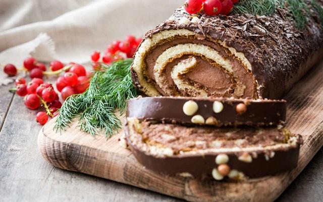 Tronchetto di Natale ricetta del dolce goloso per la tavola delle feste
