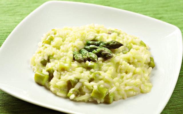 Risotto agli asparagi ricetta made in Italy