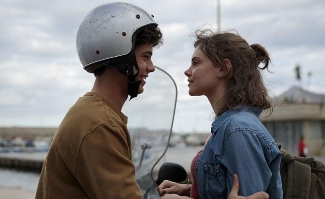 Sulla stessa onda: il nuovo intenso teen drama dal 25 marzo su Netflix