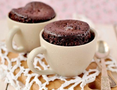 Torta in tazza al microonde: una ricetta facile, veloce e super golosa
