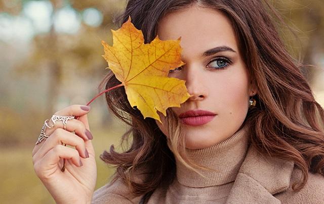 Trattamenti beauty da fare in autunno i consigli per pelle e capelli al top