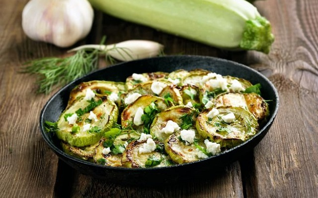 Zucchine alla scapece la ricetta napoletana per un contorno sfizioso